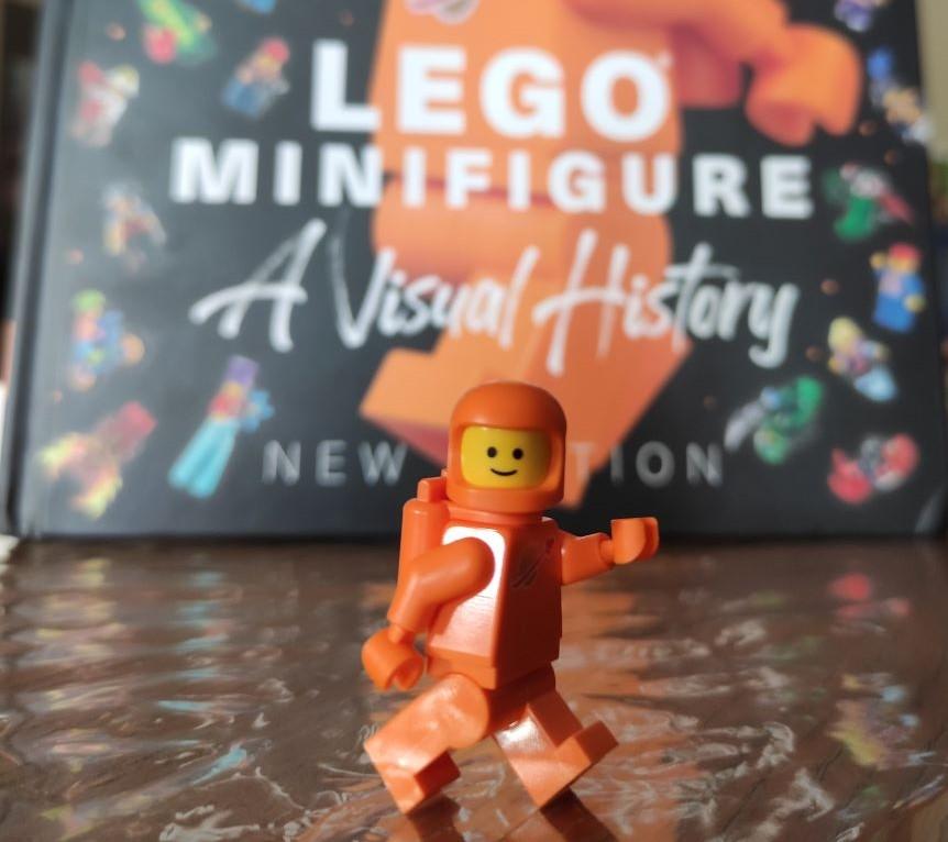LEGO Minifigure A Visual History Kitap İncelemesi